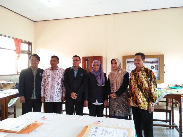 foto panitia Unirow dan pengurus MGMP SMP Sekabupaten Tuban