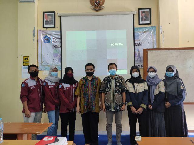 Prodi Matematika Gelar Focus Group Discussion FGD Mengenai Implementasi Merdeka Belajar Kampus Merdeka MBKM dengan Prodi Statistika Universitas Airlangga